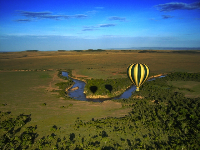 Hot-Air-Balloon-Safari-Over-the-Maasai-Mara