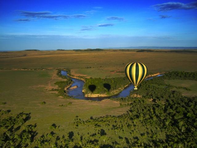 Hot-Air-Balloon-Safari-Over-the-Maasai-Mara